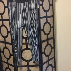 Pre-owned ladies stripes pants Sz 12